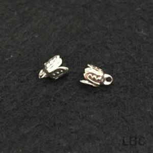 W-84s - 4mm Leaf Bead Cap - Silver